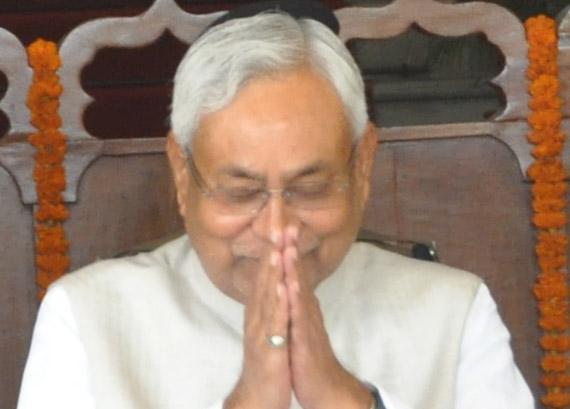 मुख्यमंत्री श्री नीतीष कुमार ने आज बिहार  संग्रहालय के अस्थाई प्रदर्षनी दीर्घा में