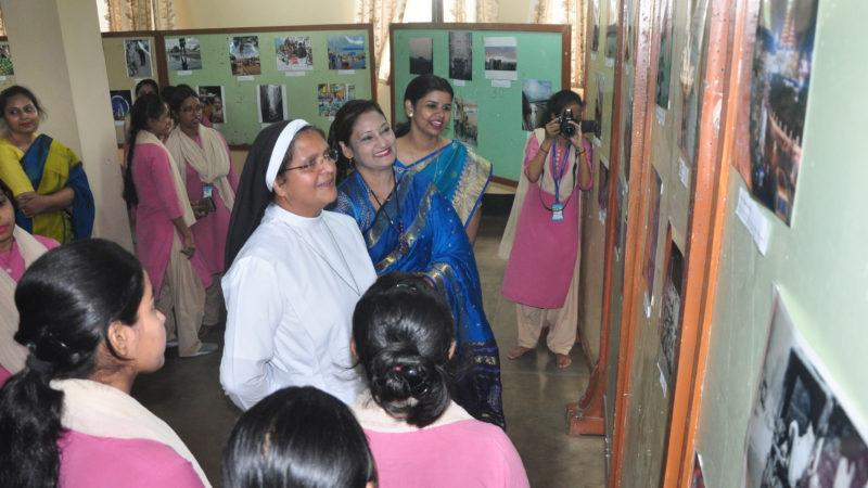 पटना वीमेंस कॉलेज के डिपार्टमेंट ऑफ मास कम्युनिकेशन विभाग द्वारा फोटो एक्जीबिशन का आयोजन