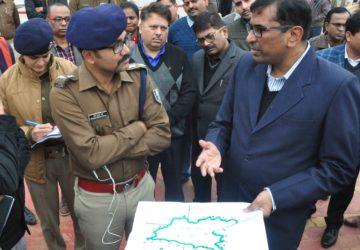 मानव श्रृंखला की तैयारी एवं समीक्षा  /जिलाधिकारी श्री कुमार रवि के साथ उप विकास आयुक्त , वरीय पुलिस ...